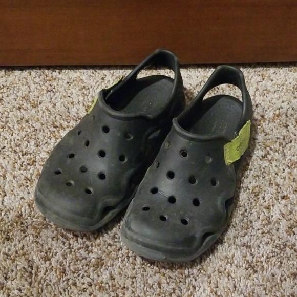 crocs slip ons kids